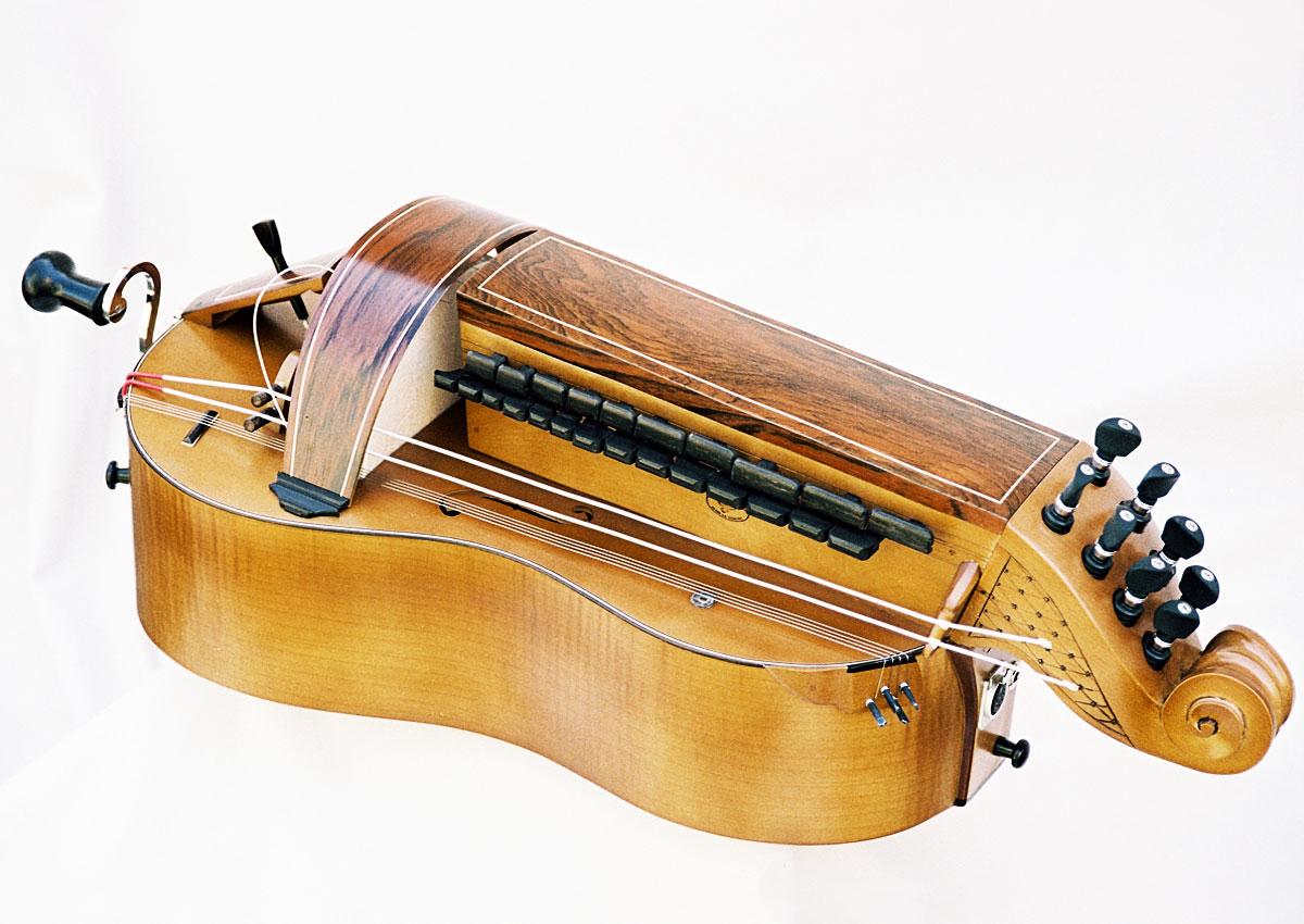 Vielle traditionnelle VT-008