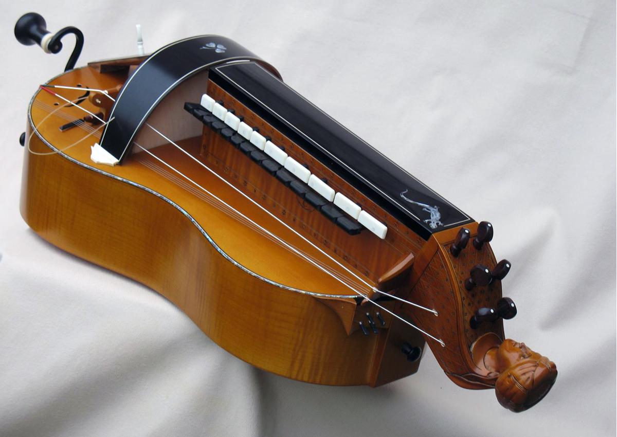 Vielle traditionnelle VT-016