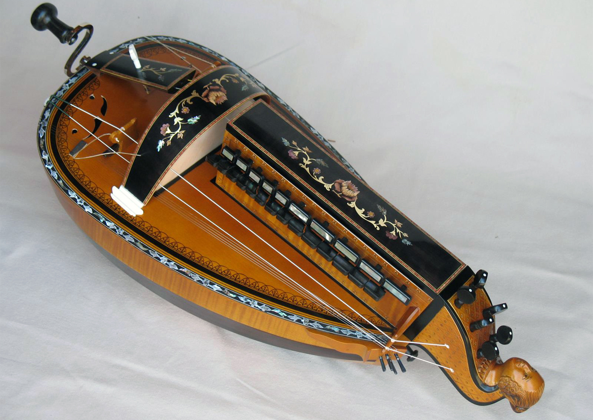 Vielle traditionnelle VT-012